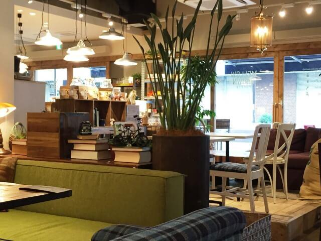 カフェのフロアー