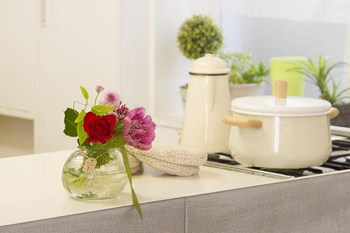 キッチンに飾られたお花