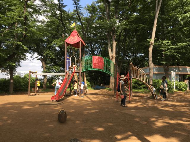 夢見ヶ崎動物公園内の児童公園