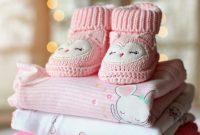 赤ちゃんの靴と服