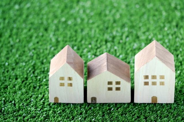 任意売却と住宅のイメージ