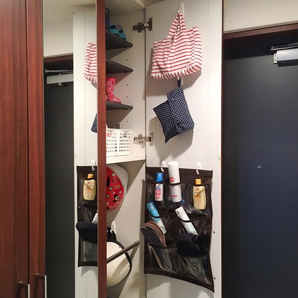 靴箱の扉にウォールポケット