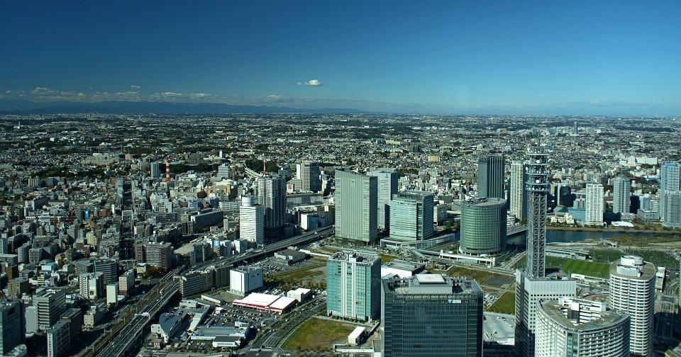 ビルが立ち並ぶ横浜の風景