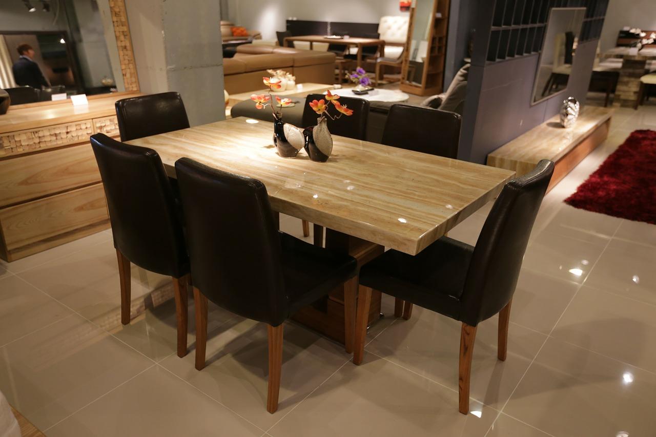 全国の職人による国産材を使った家具