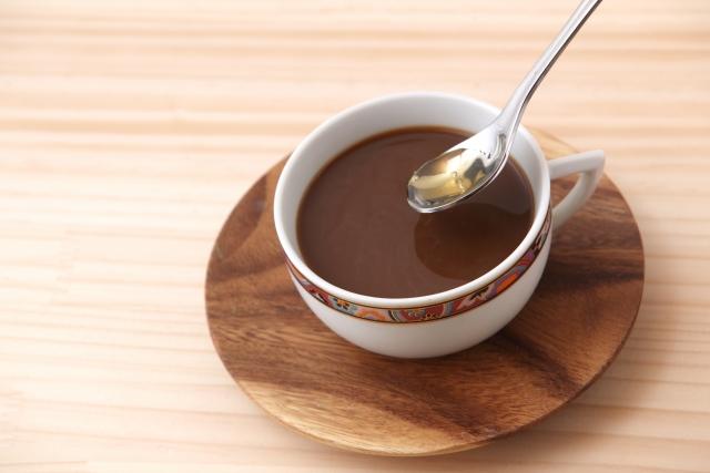 コーヒーと木のプレート
