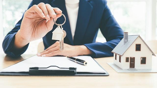 住宅ローンで購入した家を賃貸に出したらどうなるのかについて説明します!